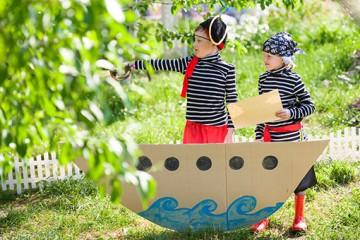 Rätsel und Aufgaben für eine tolle Schnitzeljagd mit Kindern