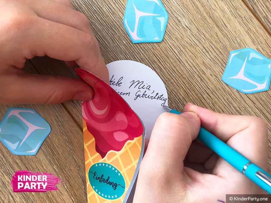 DIY Eis-Einladungskarte für Poolparty ausdrucken